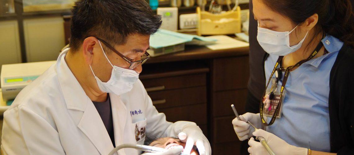 高雄植牙專家 謝尚廷醫師